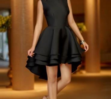 Rochii negre asimetrice la moda